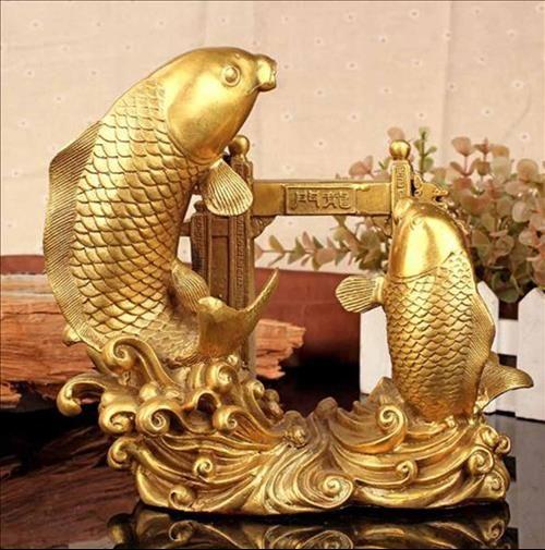 Tượng cá chép phong thủy bằng đồng vượt long môn